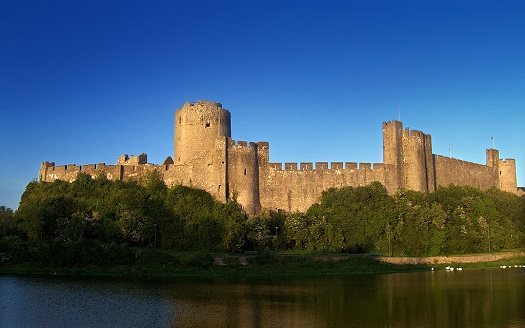 Pembroke Castle (Photo release to the public domain.)